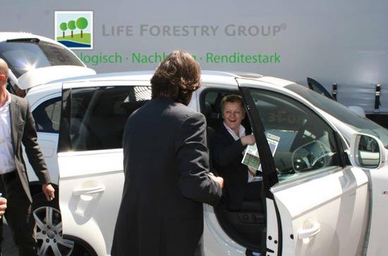 Die ehemalige deutsche Bundesministerin für Verbraucherschutz, Renate Künast, zeigte sich beeindruckt.