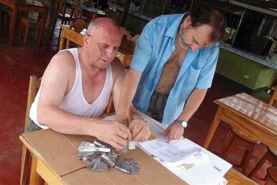 Vorbereitungsarbeiten für die Baumnummerierung auf Terra Verde