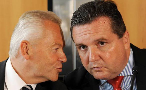 Bahnchef Rüdiger Grube mit Baden-Württembergs Ministerpräsident Stefan Mappus