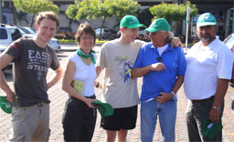 Familie Dibbert mit Detlef Helling, GF der Life Forestry Costa Rica S.A. und Knut Radicke, GF der Life Forestry Ecuador S.A.