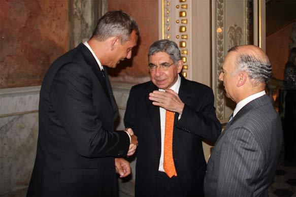 Friedensnobelpreisträger Oscar Arias Sanchez