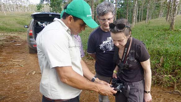 Dr. Perez mit Kunden